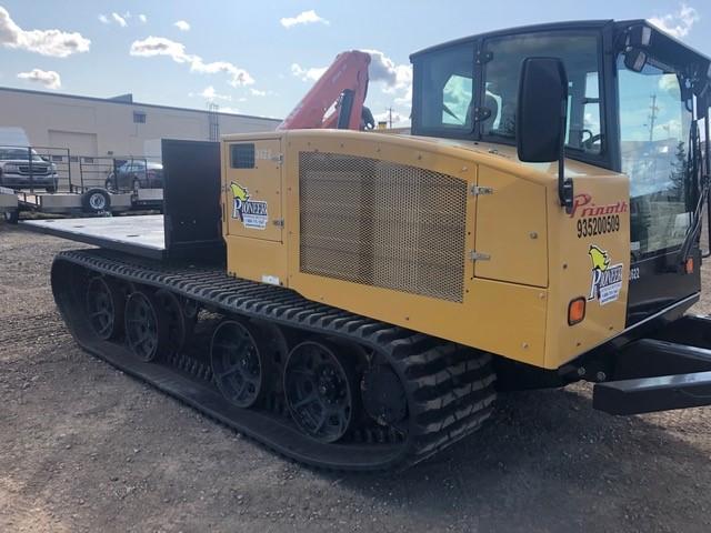 Panther T8 with Flat Deck and Crane product image
